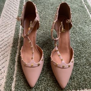NWOT Halogen studded heels